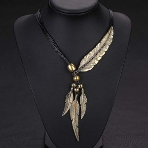 Jewelry - Gold color/black Vintage Feather Bohemia Necklace